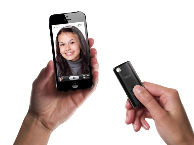 muku-shuttr-iphone-ipad-samsung-android-bluetooth-remote-control-camera-shutter-1big